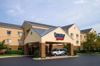 Fairfield Inn and Suites by Marriott Hotel
