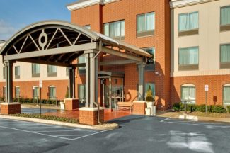Holiday Inn Express Hotel & Suites Hotel