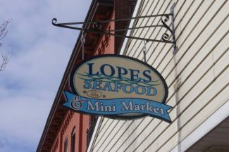 Lopes Seafood & Mini Market